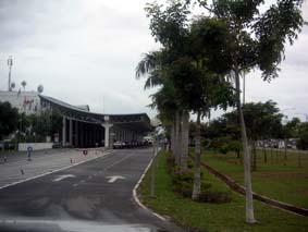 タワウ空港